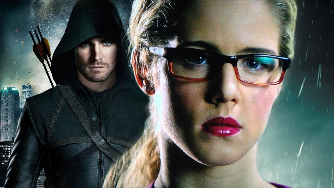 Arrows's Felicity Smoak is Smoaking Hot