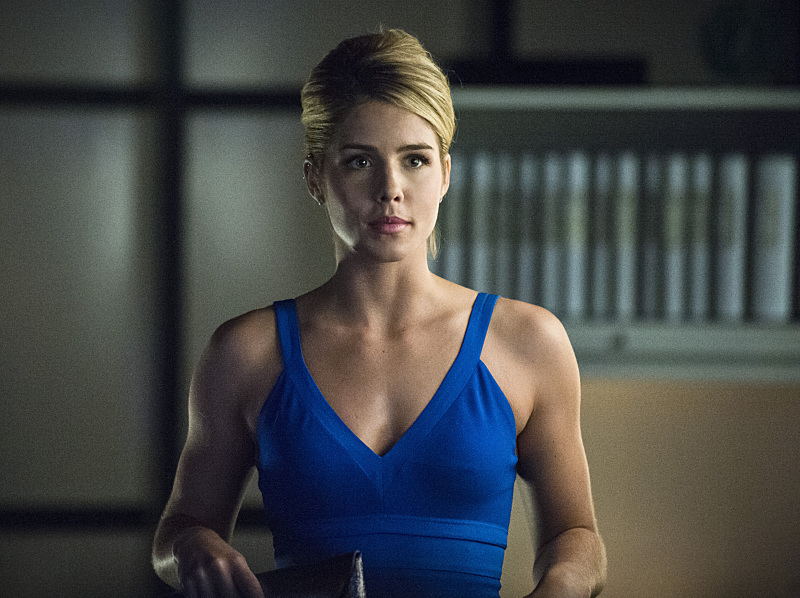 Smoaking Hot Felicity Smoak